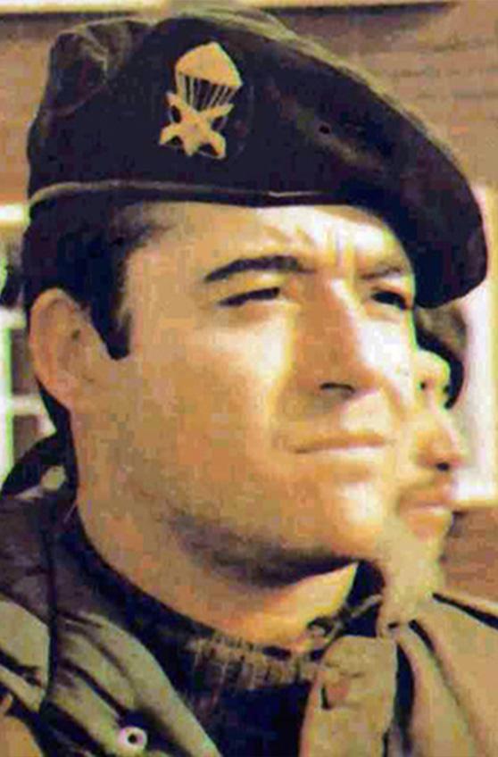 Teniente 1º Carlos Daniel Esteban