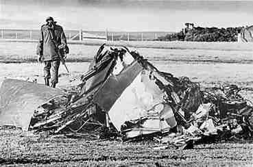 Restos de un avión argentino derribado